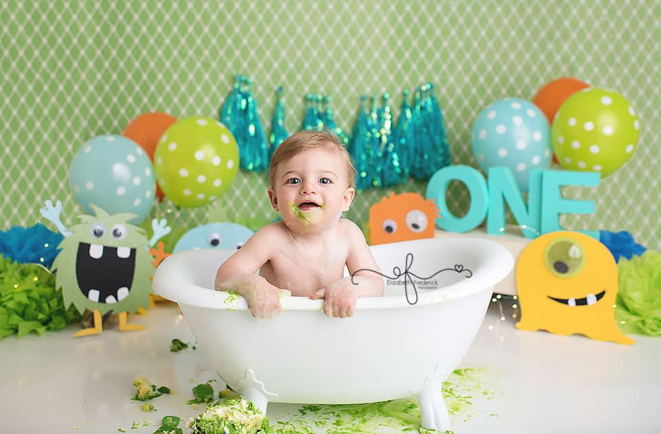Little Monster Bath Splash Smash Cake First Birthday CT Smash Cake Photographer Elizabeth Frederick Photography.