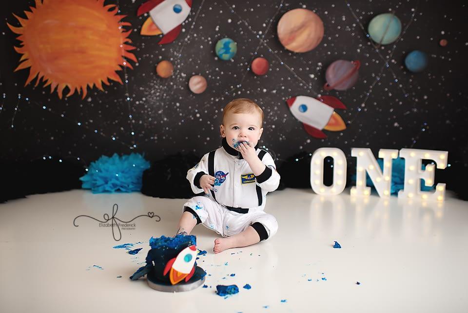 Astronaut Space Smash Cake Photography | CT Smash Cake Photographer Elizabeth Frederick Photography